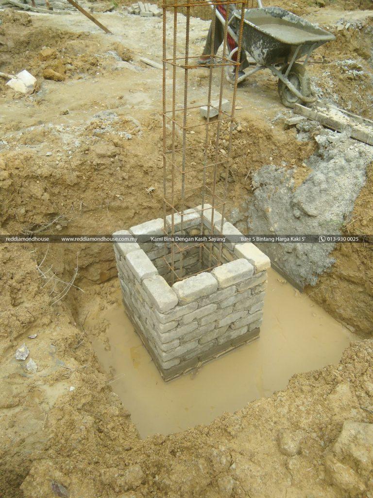 Bina Rumah Atas Sendiri Column Stump 09