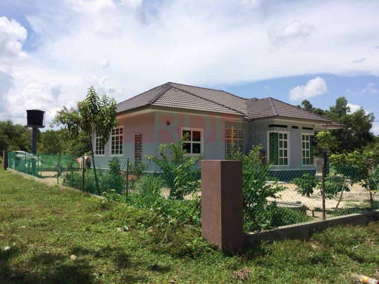Bina Rumah Atas Tanah Sendiri Joh Labok 02