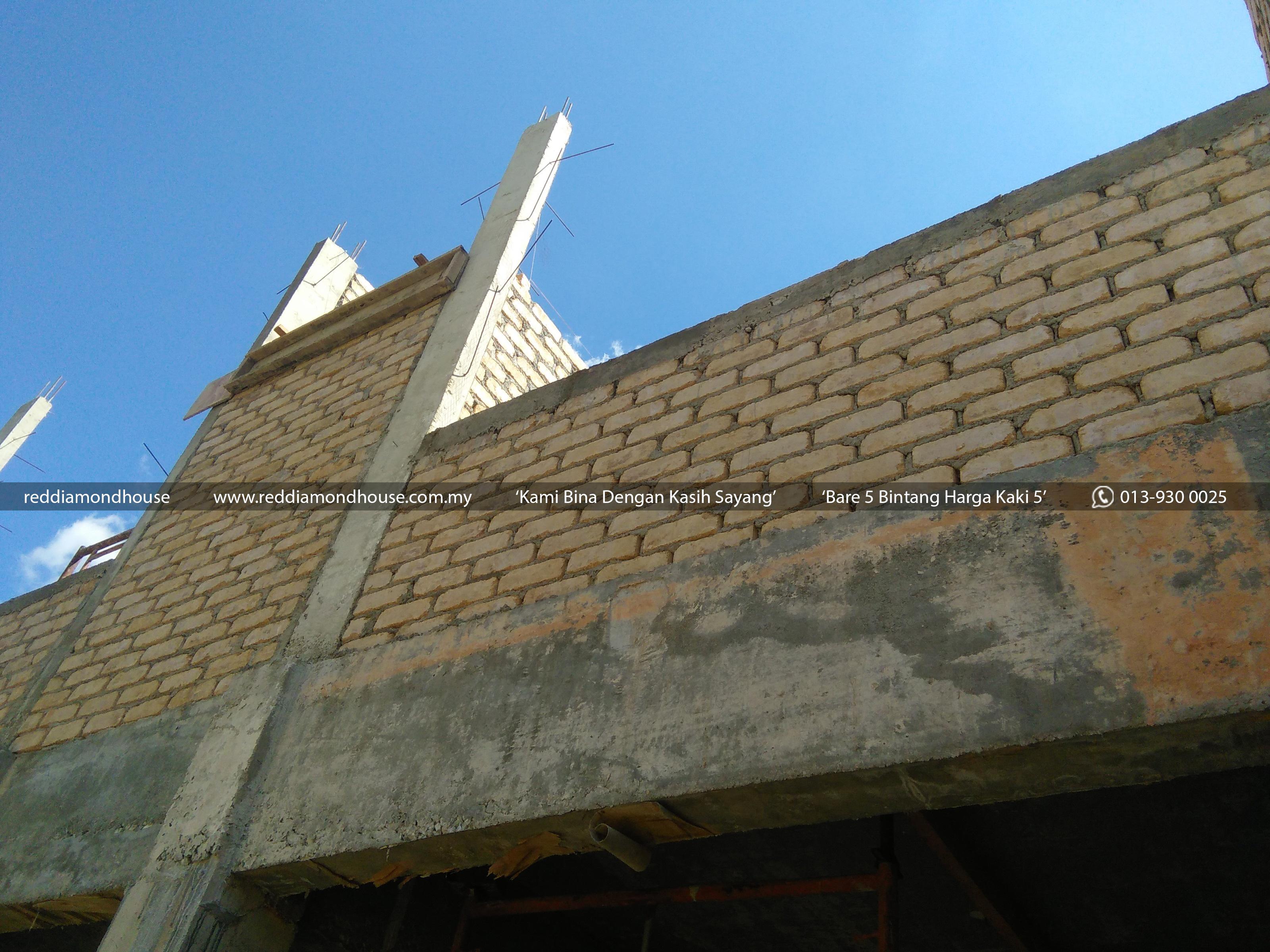 Bina Rumah Atas Sendiri Dinding 02