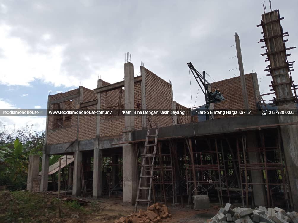Bina Rumah Atas Sendiri Dinding 03