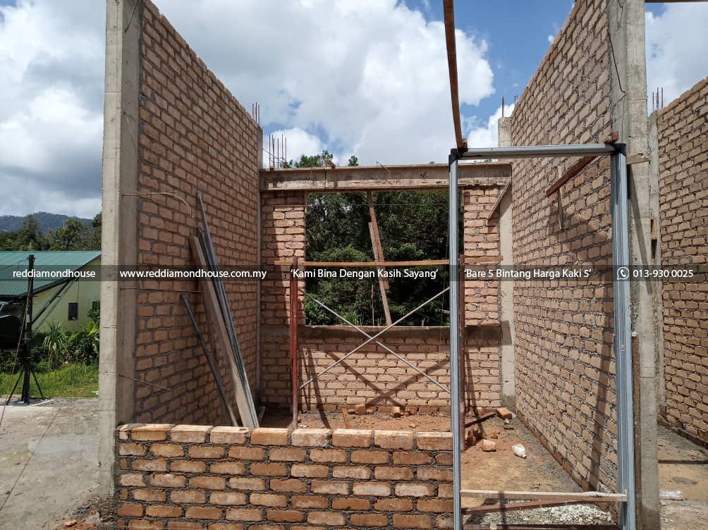 Bina Rumah Atas Sendiri Dinding 06