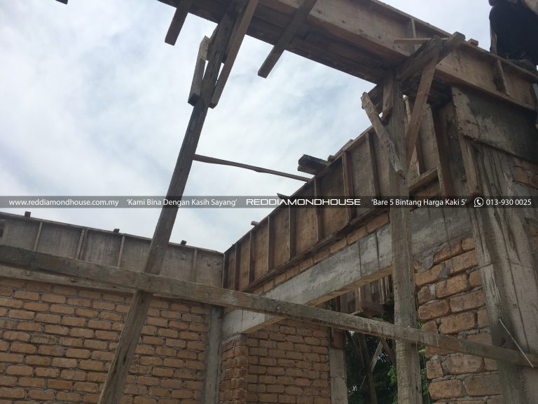 Bina Rumah Atas Tanah Sendiri Roof Beam 09