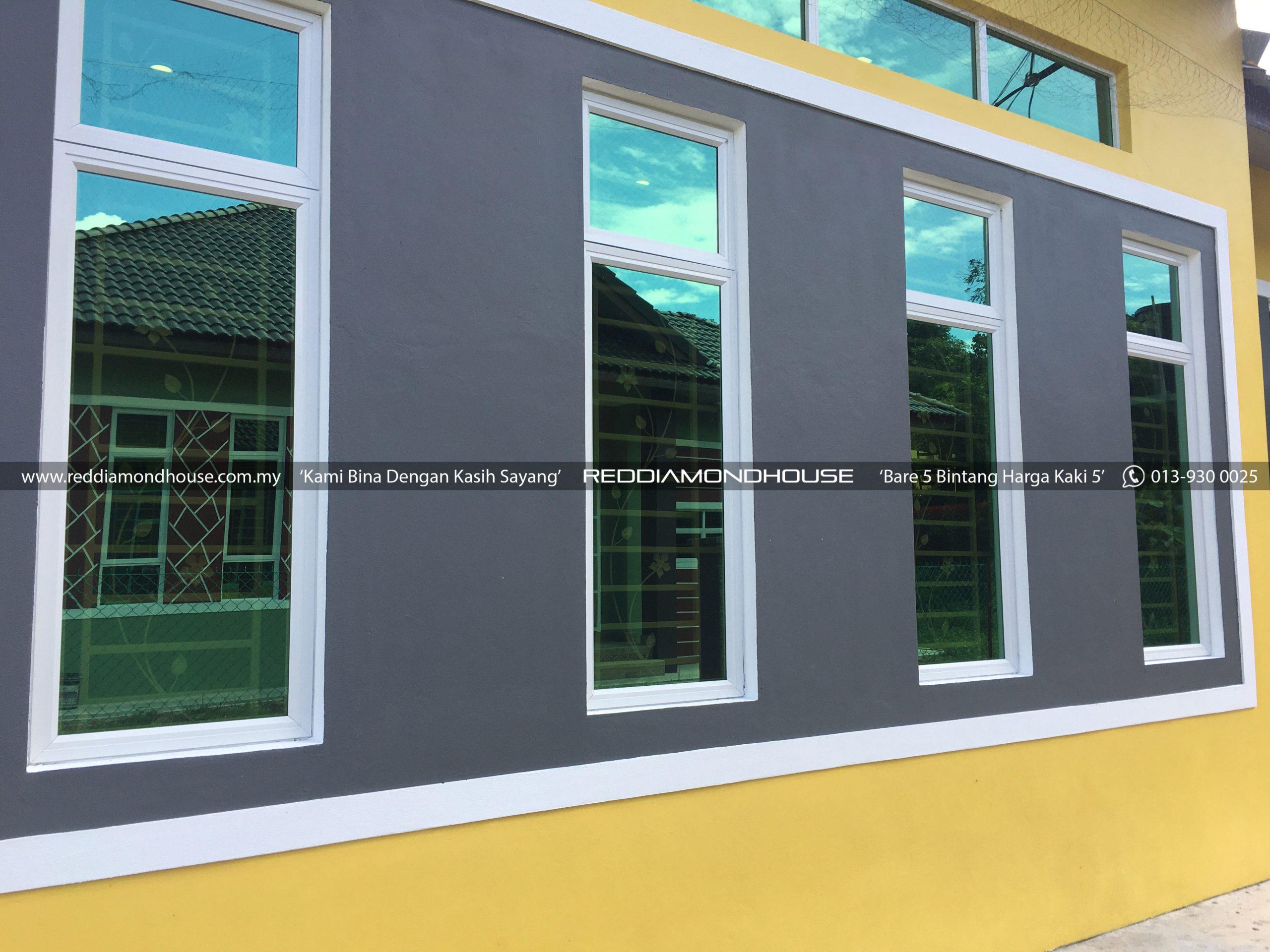 Bina Rumah Atas Tanah Sendiri 17001 Tingkap 01